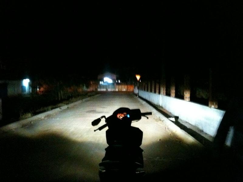 Có nên lắp đèn gương cầu cho xe máy - 7