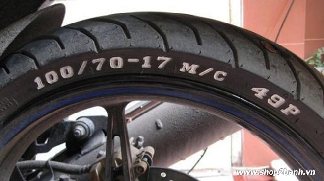 Cách đọc thông số vỏ xe máy các ký hiệu nói lên điều gì - 1