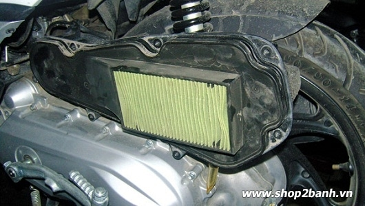 Lọc gió bẩn ảnh hưởng đến việc hao xăng xe máy - 1