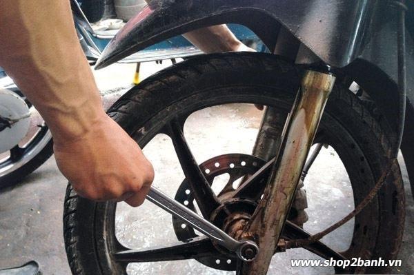 Phuộc nhún xe máy với những hư hỏng thường gặp và cách khắc phục - 1