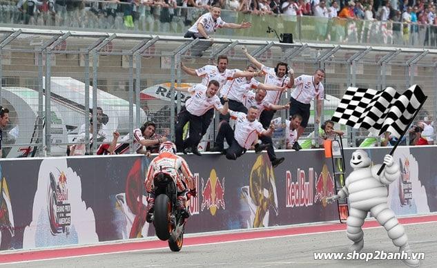 Michelin sẽ cung ứng lốp xe cho giải đua motogp 2016 - 2