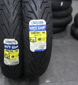 Vỏ Michelin City Grip 110/70-16 và Michelin City Grip 130/70-16