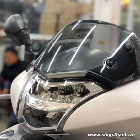 Kính chắn gió Zhipat cho Honda SHVN 2017 - 2019